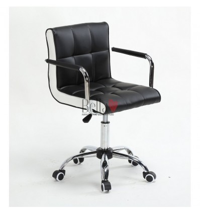 Bella Furniture Black chairs on wheels in Ireland. Nail Salon chairs for sale. Stylish chairs for nail salons Dublin. Black BFHC