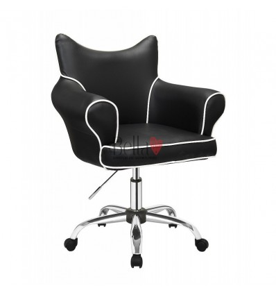 Bella Furniture Black chairs on wheels in Ireland. Hairdresser chairs for sale. Stylish chairs for hairdresser salons BFHC332K