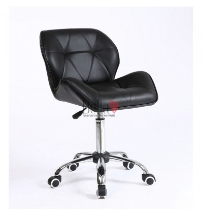 Elegant and stylish black chairs for beauty salons and nail salons Black BFHC111K