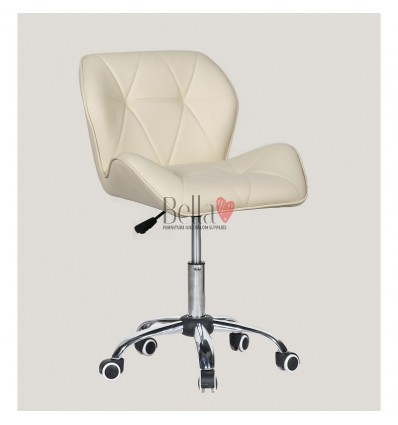 Elegant and stylish cream chairs for beauty salons and nail salons BFHC111K