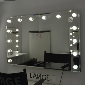 makeup mirrors with bulbs